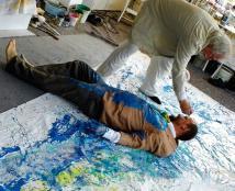 2016 Helmut R. Klein und Christof Klemmt setzen Segle in der Kunst - Performance Malerei auf einem Focksegel